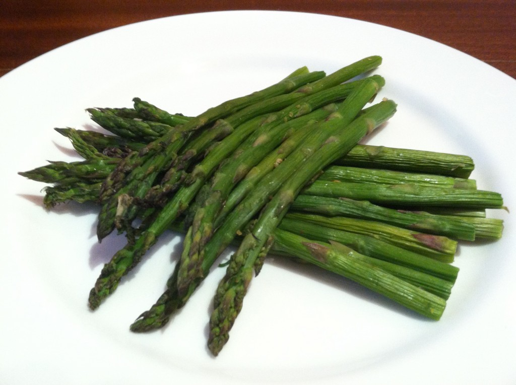 how to eat asparagus correctly