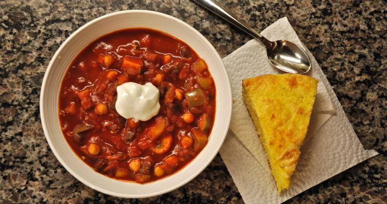 Vegetarian Chili & Jalepeno Cheddar Cornbread
