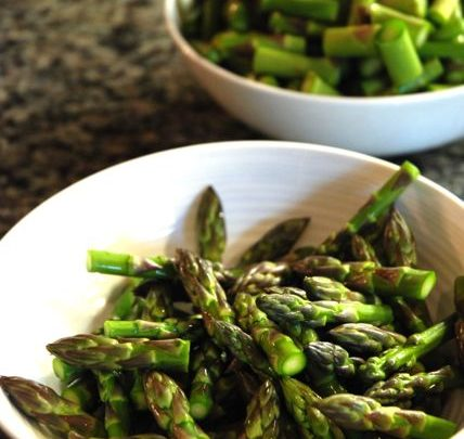 How to: Healthy Lunch – Asparagus and Quinoa Salad