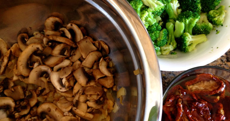 How To: Healthy Breakfast – Mushroom, Broccoli, and Sun Dried Tomato Strata
