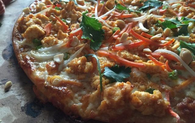 How to: Quickie Meal – Spicy Thai Peanut Sauce Pizza