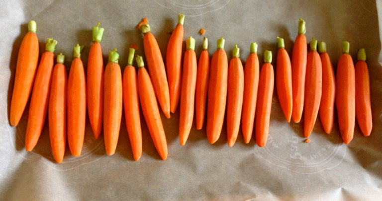 How To: Healthy Sides – Honey Roasted Carrots with Tahini Yogurt Sauce