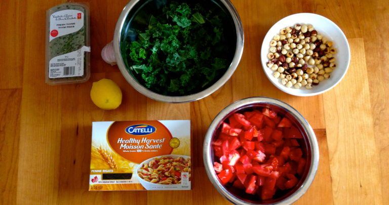 How To: Quickie Meal – Penne with Tomatoes, Kale and Hazelnuts