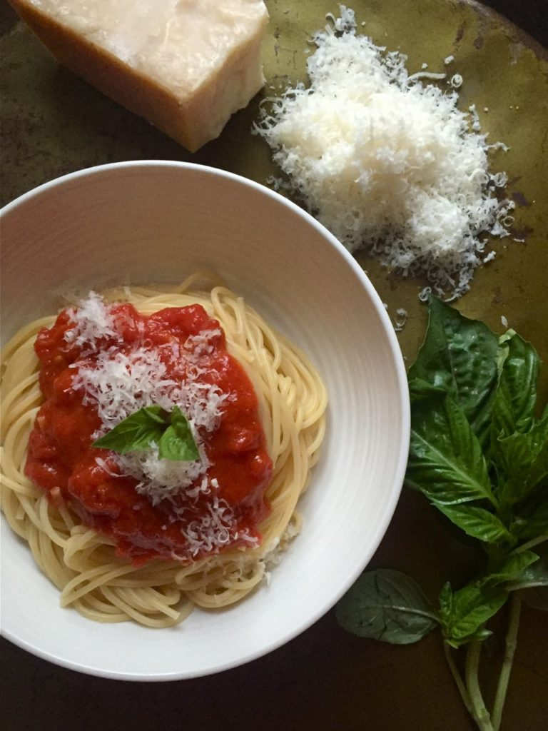 how to make your own tomato sauce for spaghetti