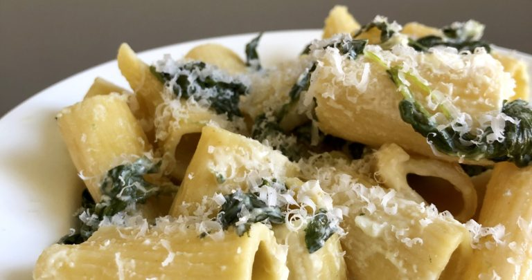 Cheesy Spinach Rigatoni